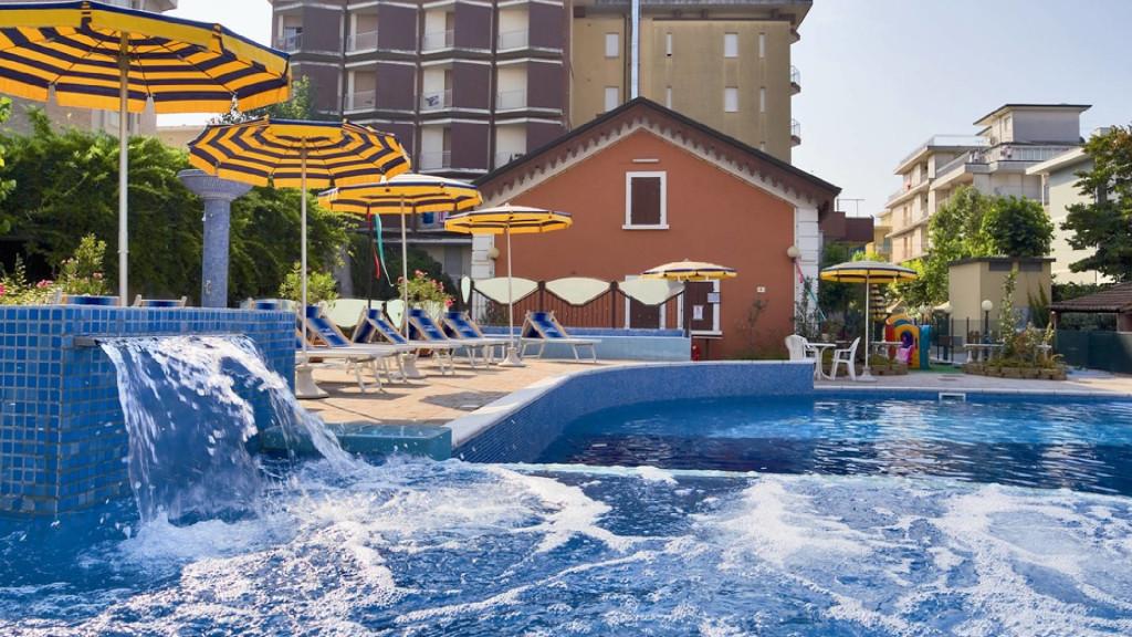 Hotel Sorriso Bellaria - Piscina Riscaldata